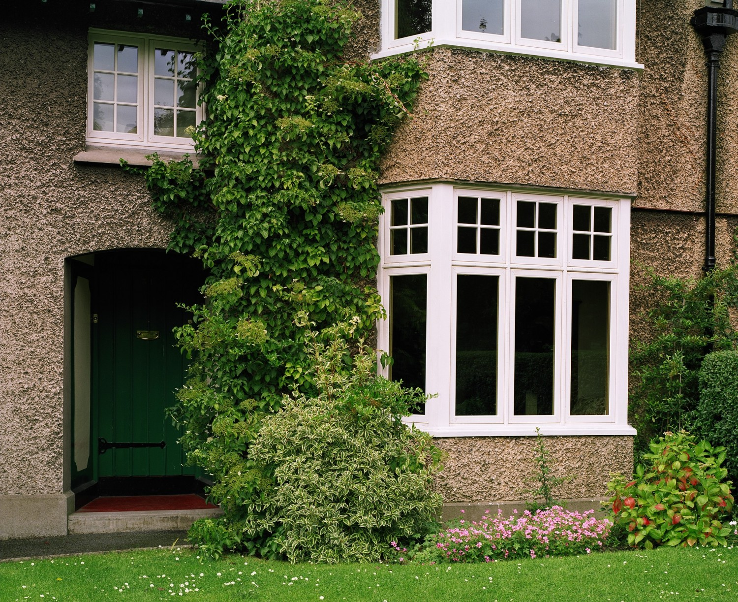 Traditional casement style bay window