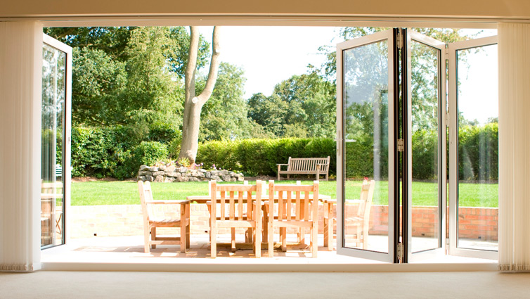 Signature Easifold doors with white panel