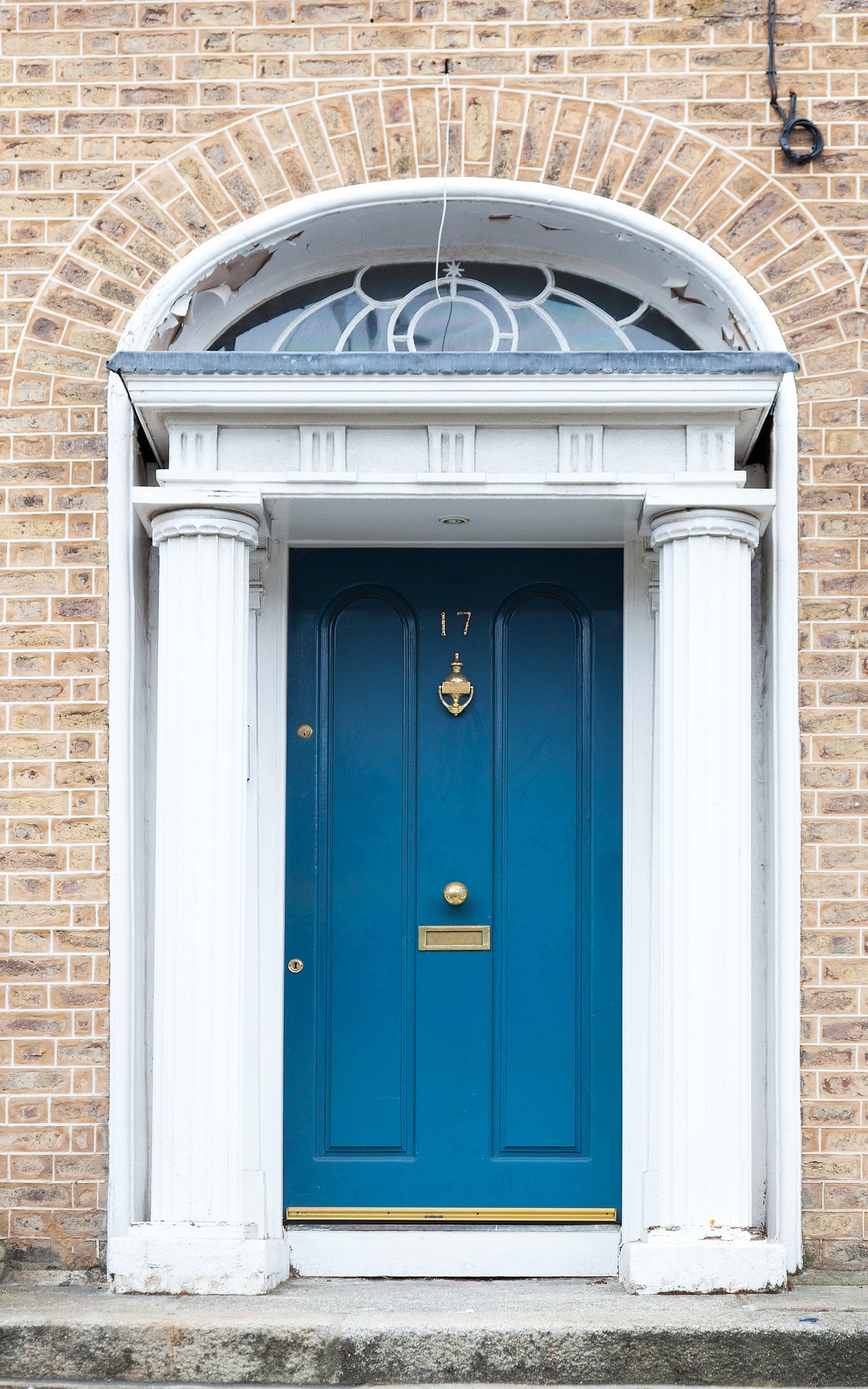 Signature megrame door for traditional homes