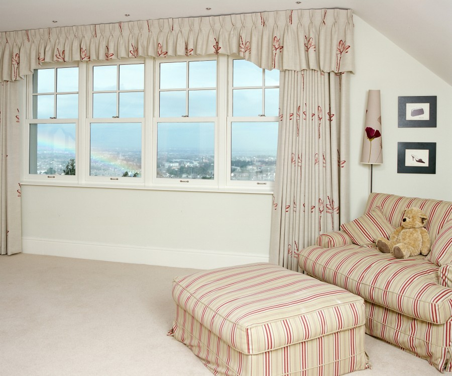Family room with sash windows