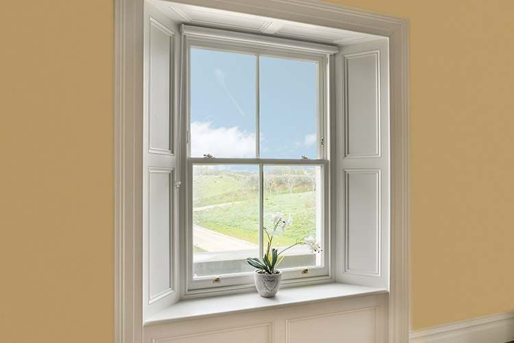 Traditional Wood Sliding Sash Window With Architrave